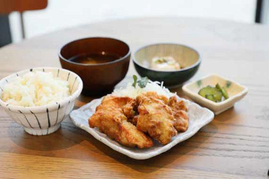 モリンガ唐揚げ定食